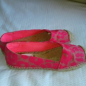 Juicy  bright pink in new condition shoes